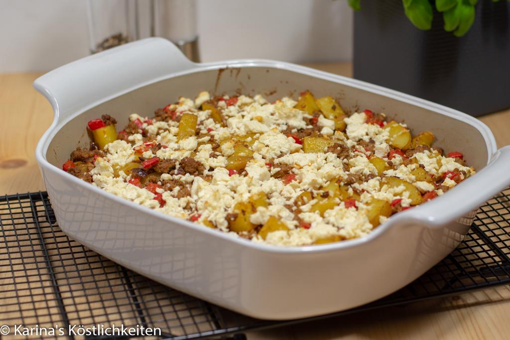 Kartoffel-Hack-Auflauf mit Feta im Bäker Pampered Chef