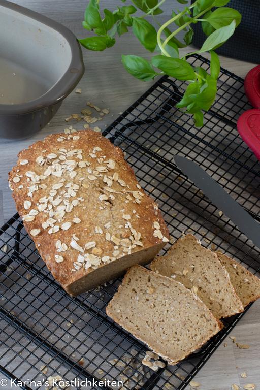 Schnelles-Haferflocken-Eiweiß-Brot-ohne-Hefe aus der Lily von Pampered Chef®