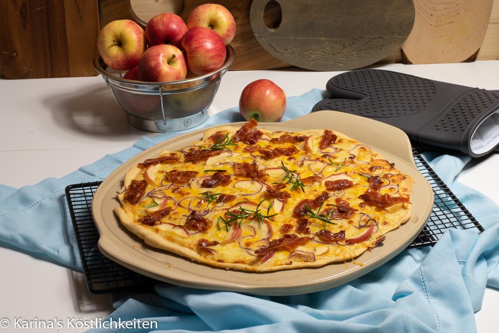 Rezept Flammkuchen mit Bacon, Apfel und Käse großen Pizzazauberer plus Pamperef Chef®