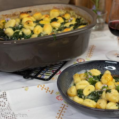 Gnocchi-Spinat-Auflauf mit Gorgonzola-Soße