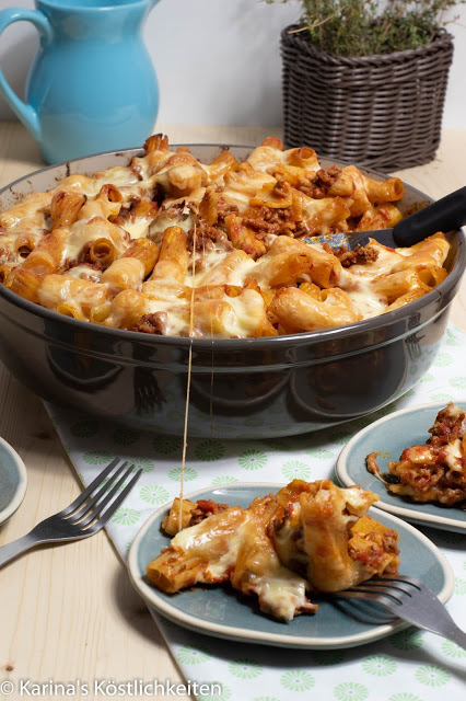 Pasta-Hack-Gratin mit geschmolzenen Käseswirls